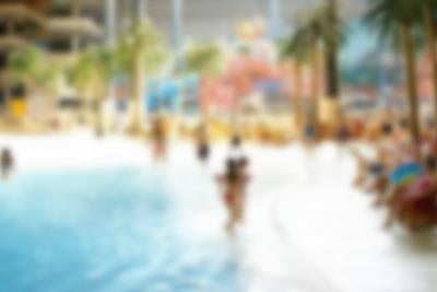 Waterpark with tropical temperatures