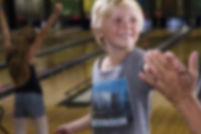 High five på bowlingbanan på Lalandia